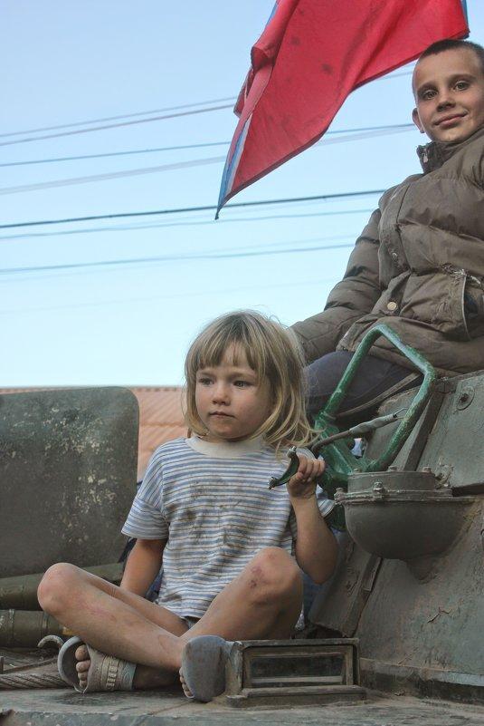 На броне - saslanbek isaev