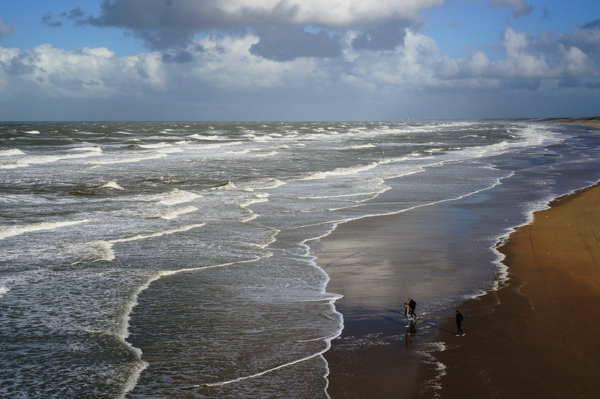 На берегу - IURII