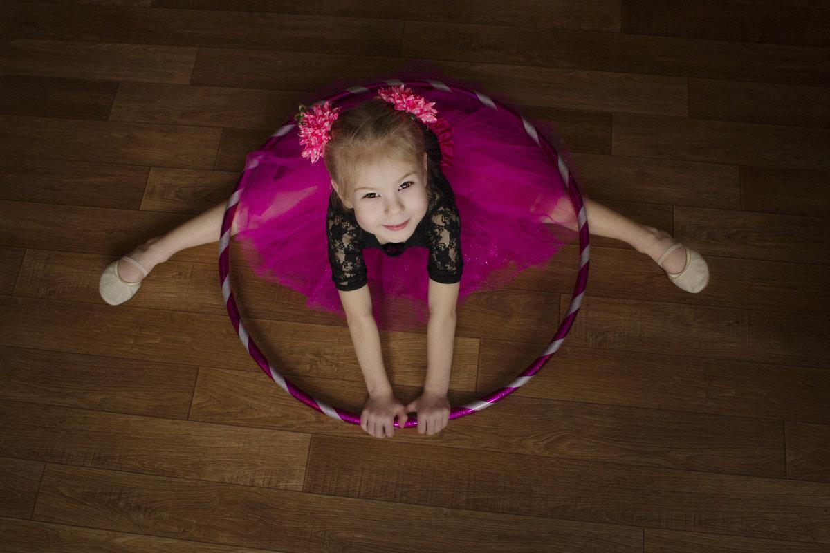 Маленькая гимнастка - Юля Колосова