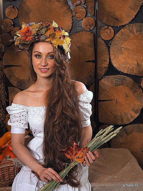 девушка осень - Олег Лукьянов