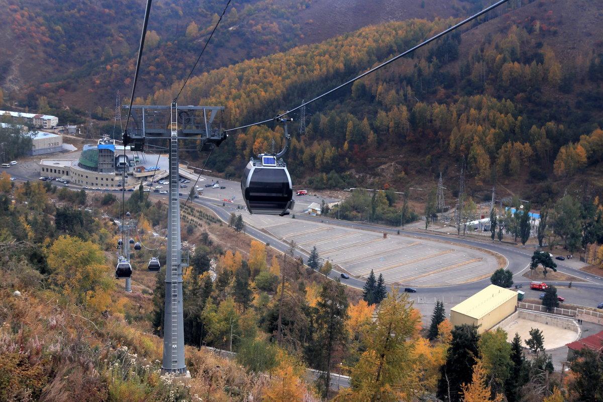 Гондольная дорога от комплекса «Медео» до горнолыжного курорта «Чимбулак». - Anna Gornostayeva