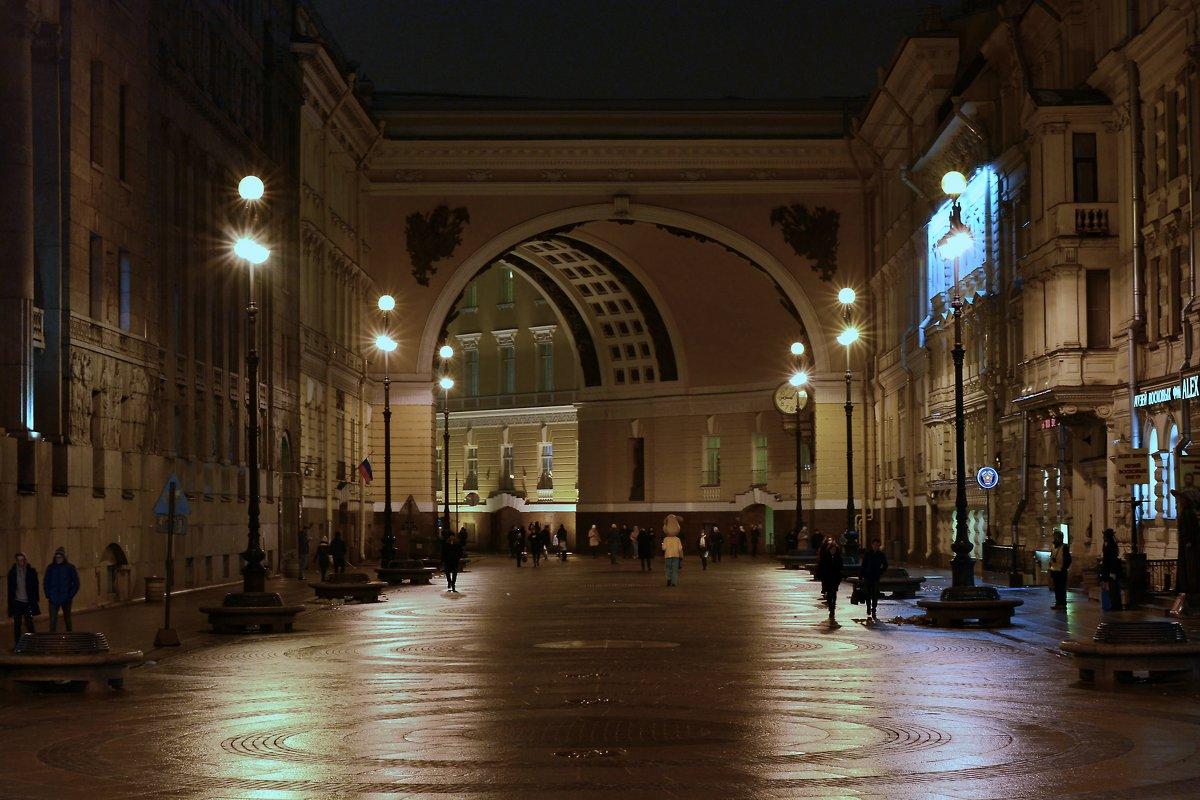 Арка Главного Штаба, вид со стороны Невского проспекта - Егор Арнаутов