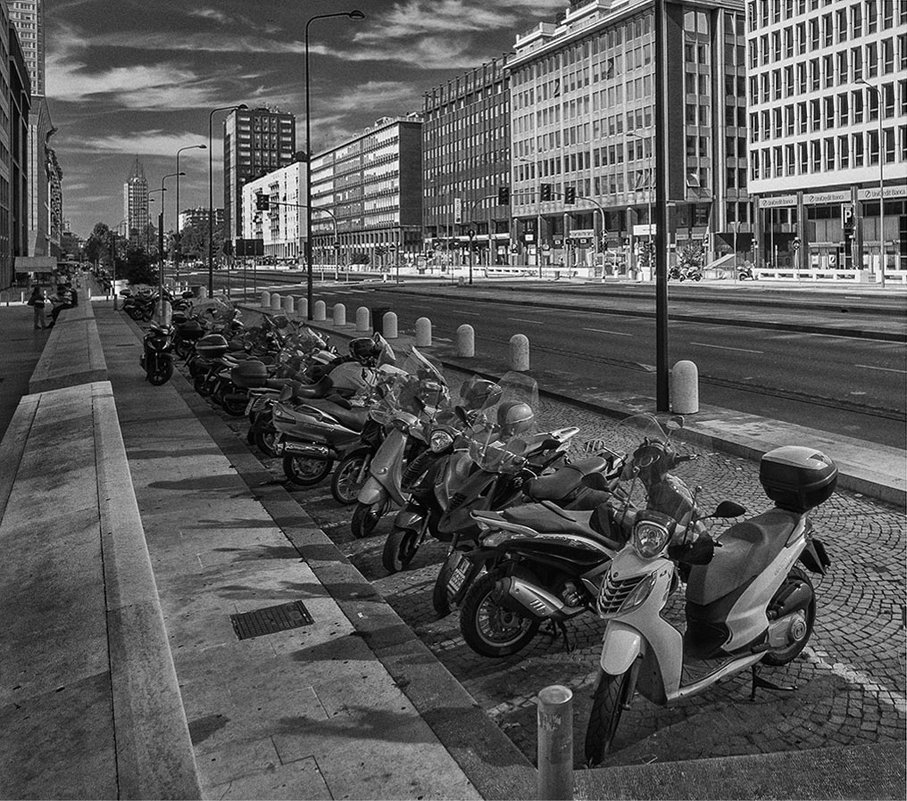 Утром в Милане - Владимир КРИВЕНКО