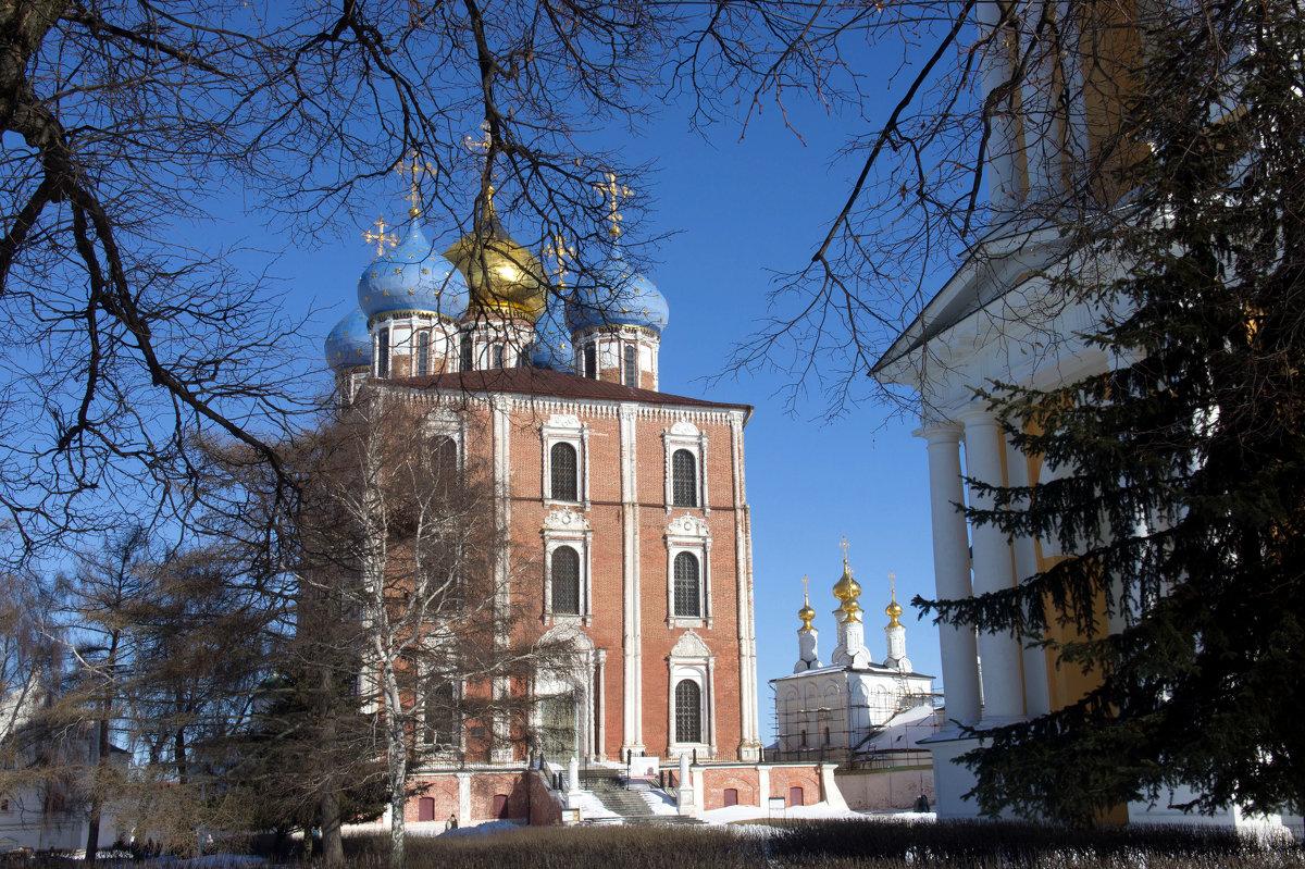 Успенский собор (Рязанский кремль) - Irina Shtukmaster