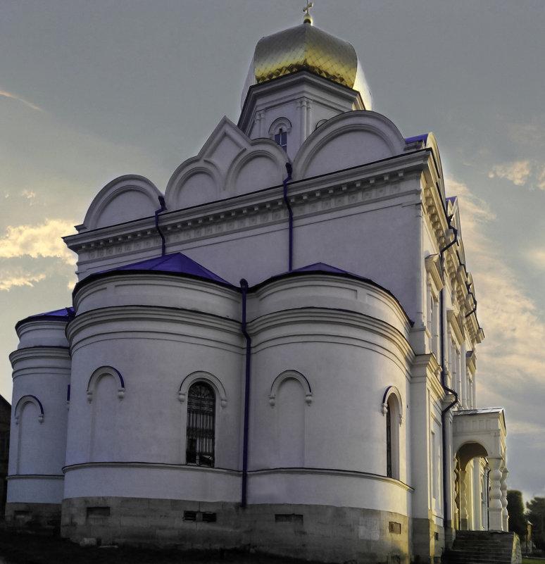 Святой храм - Вячеслав Костюченко