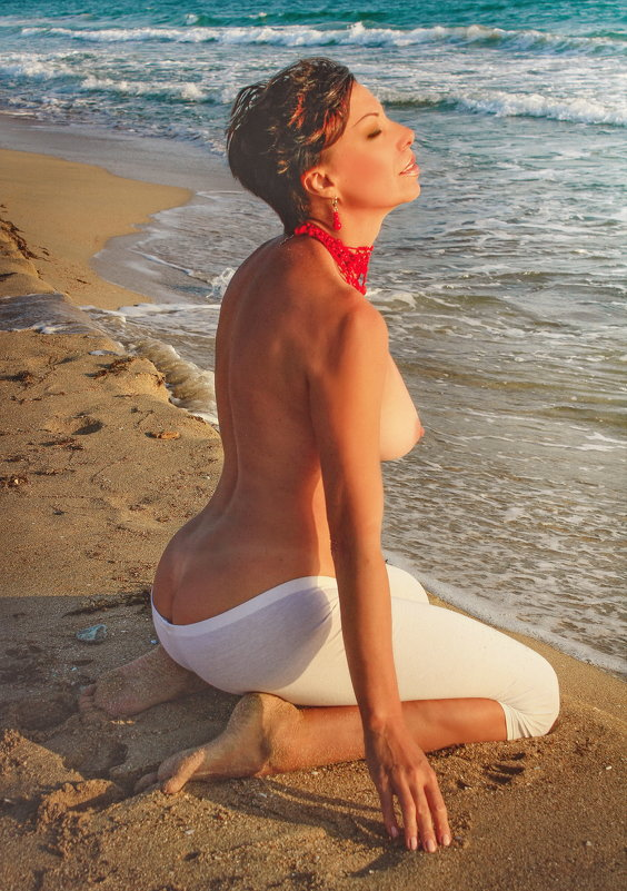 Вдыхая море.... - Елена