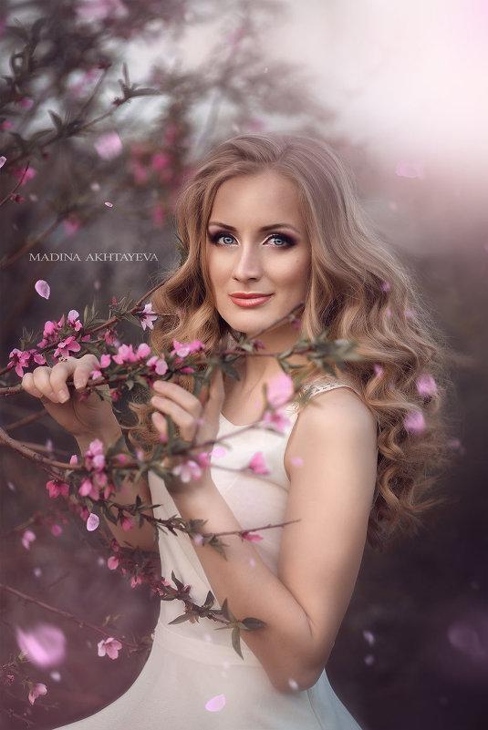 Весна - Мадина Ахтаева