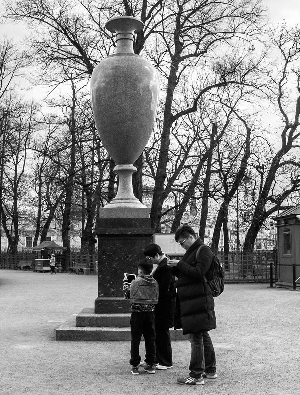 В Летнем саду - Елена Кириллова