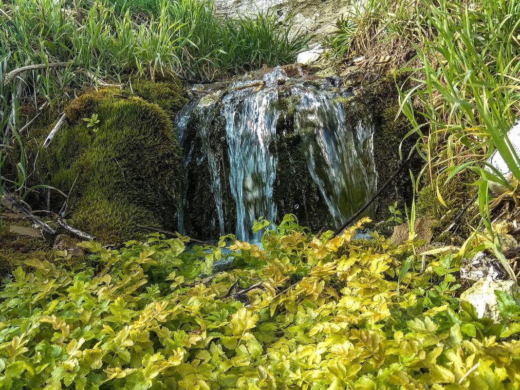 Водопад над лесом... - Алексей