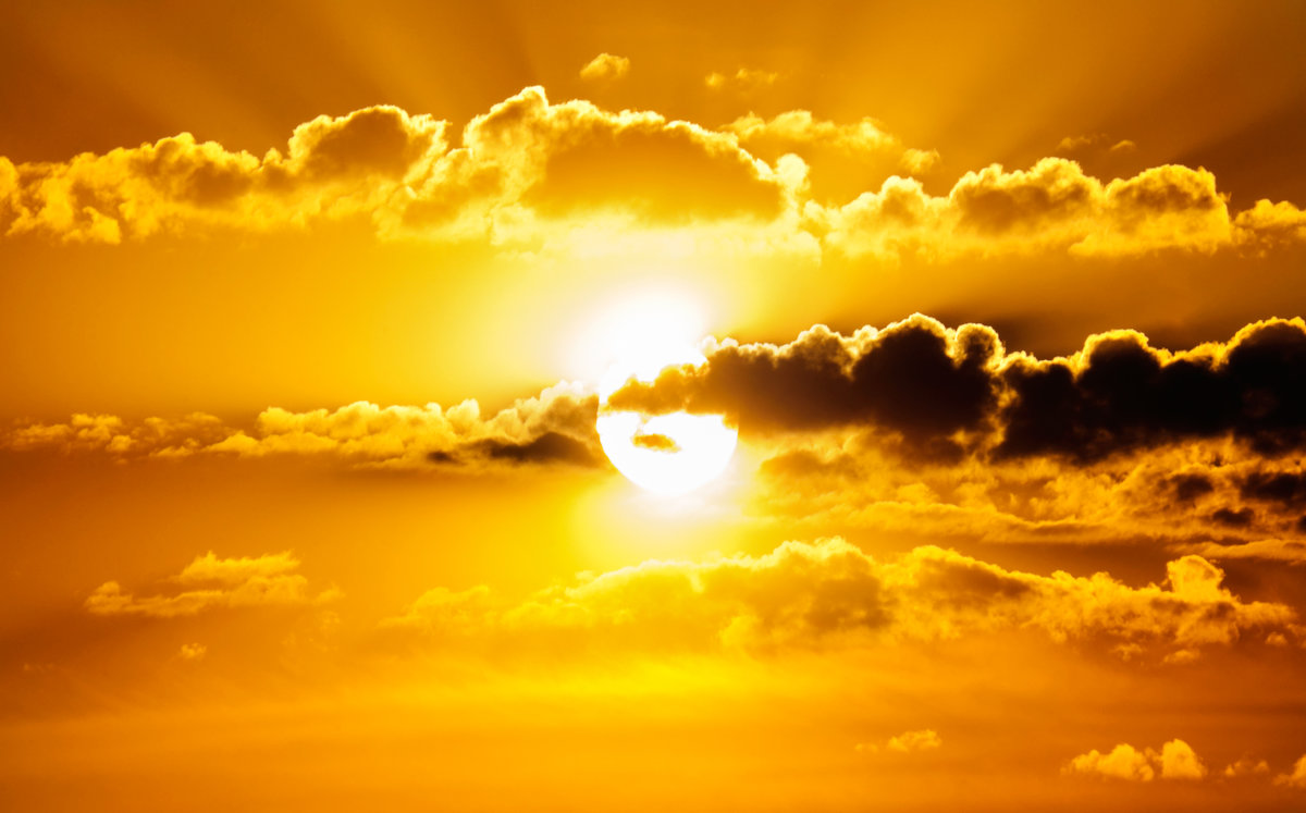 Майское жаркое солнце на закате- - Анатолий Клепешнёв