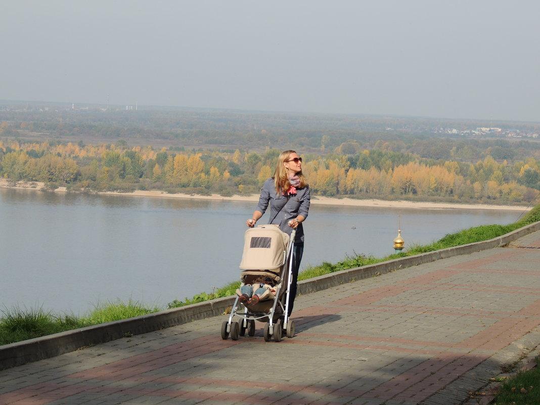 Прогулка по набережной - Вячеслав Маслов