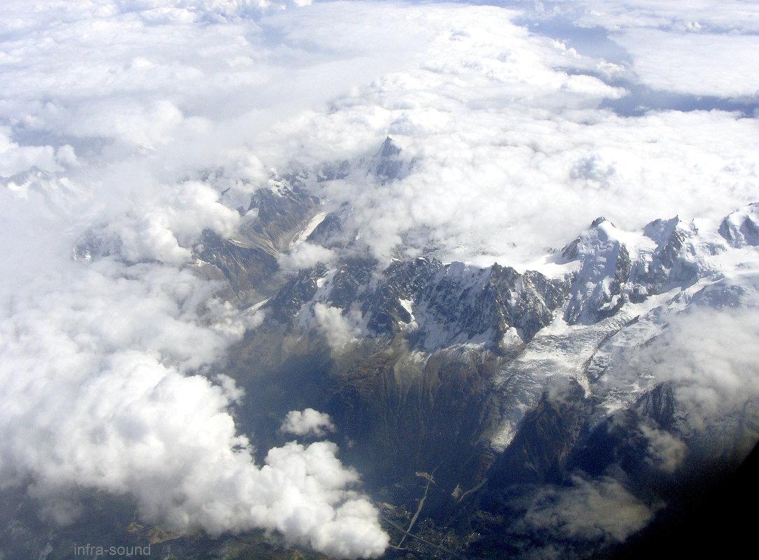 Пролетая над Альпами - Lüdmila Bosova (infra-sound)