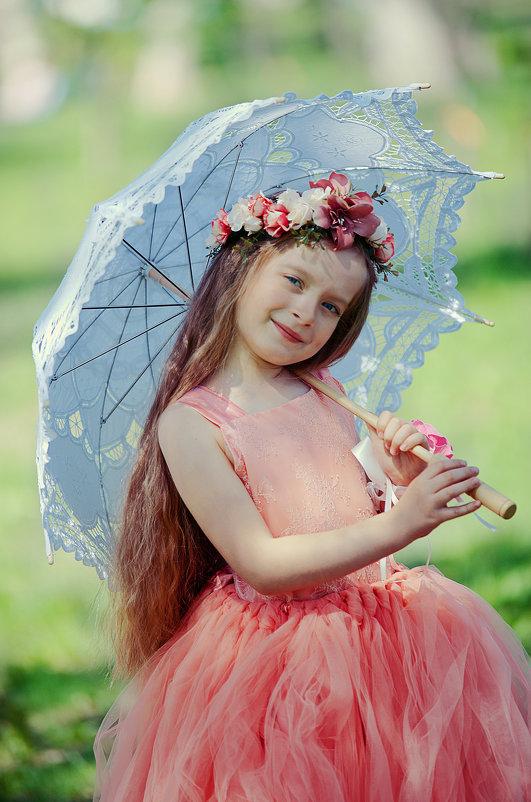 Девочка с зонтиком - марина алексеева