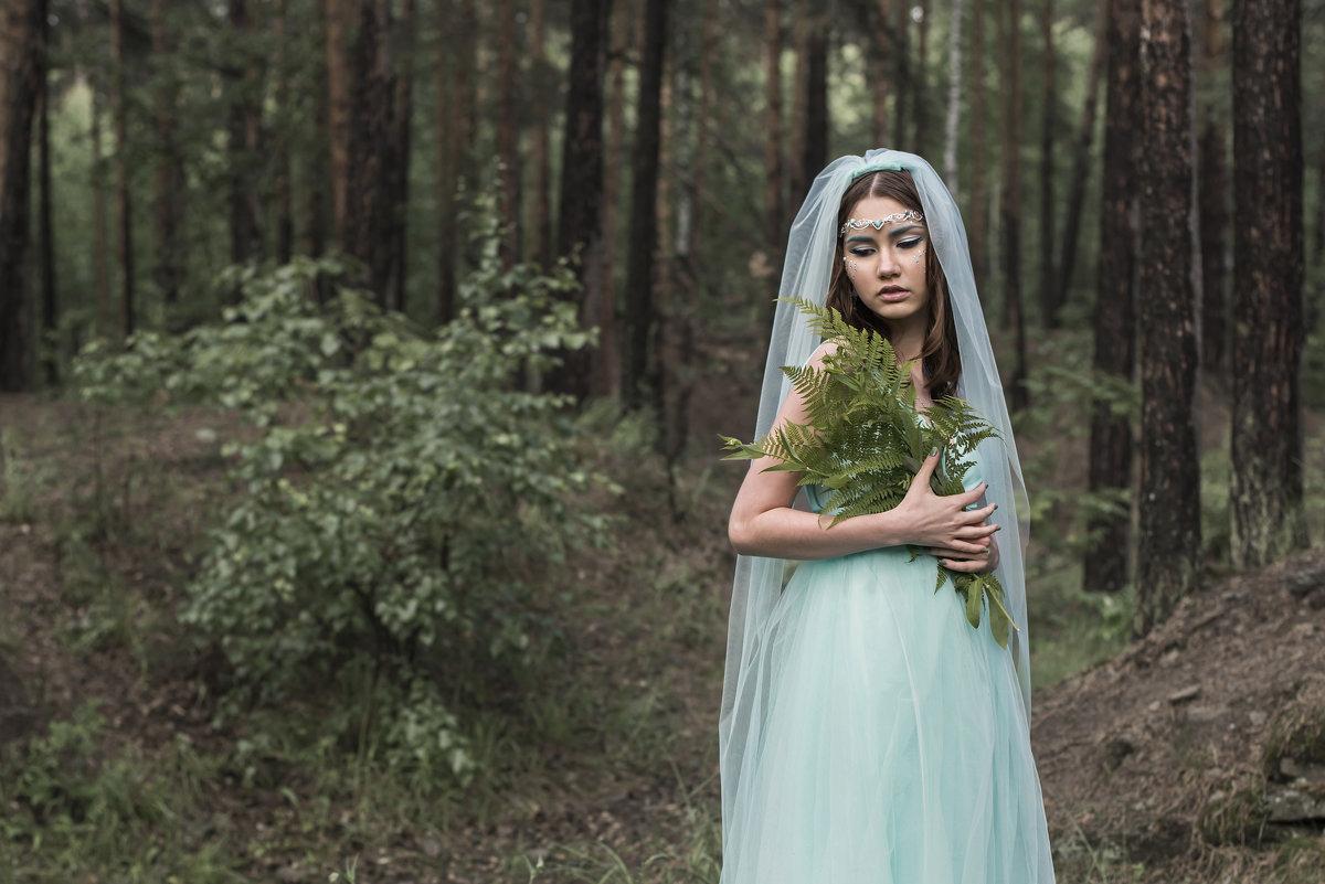 в лесу - Игорь Козырин