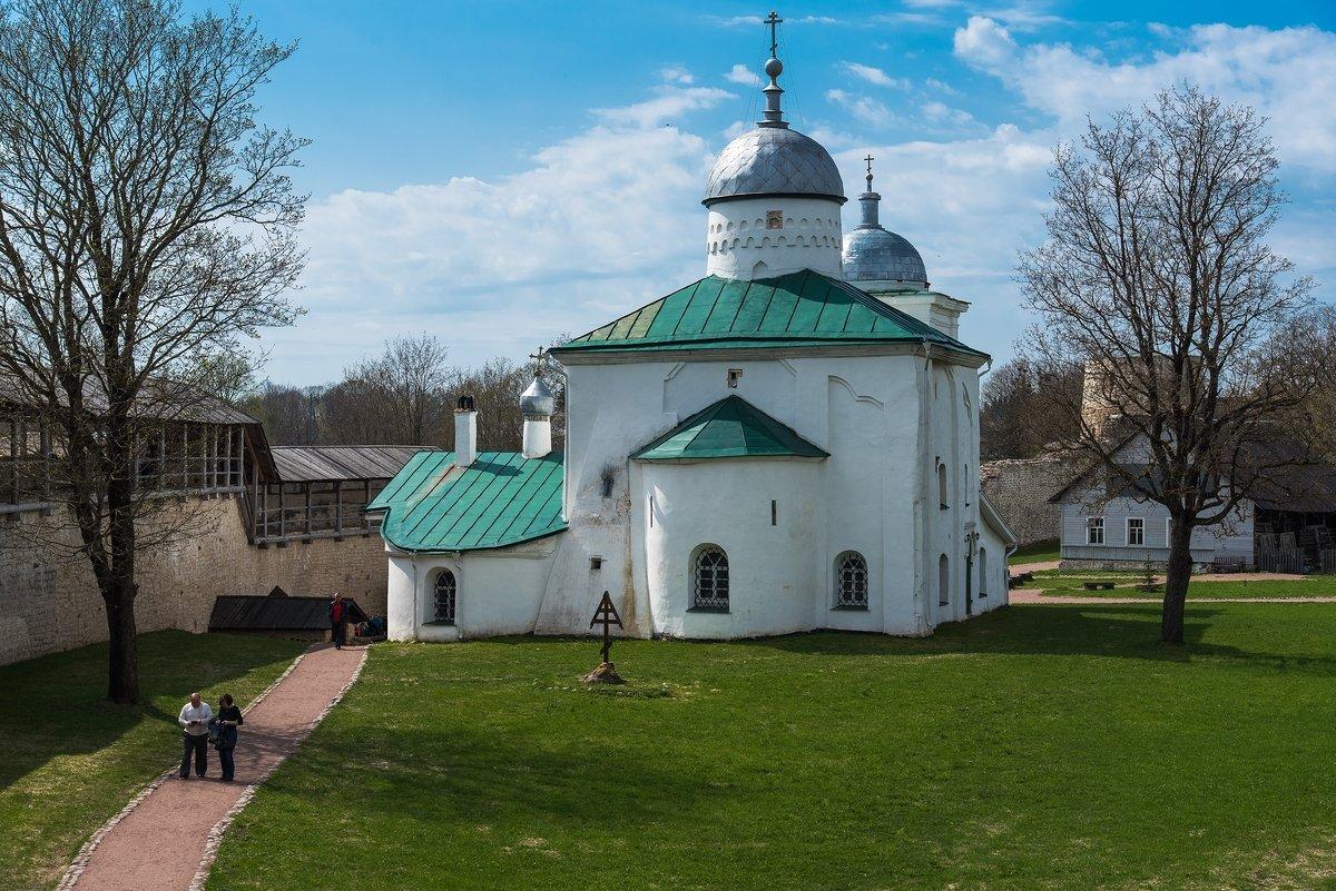 Никольский собор в Изборской крепости. - Виктор Евстратов