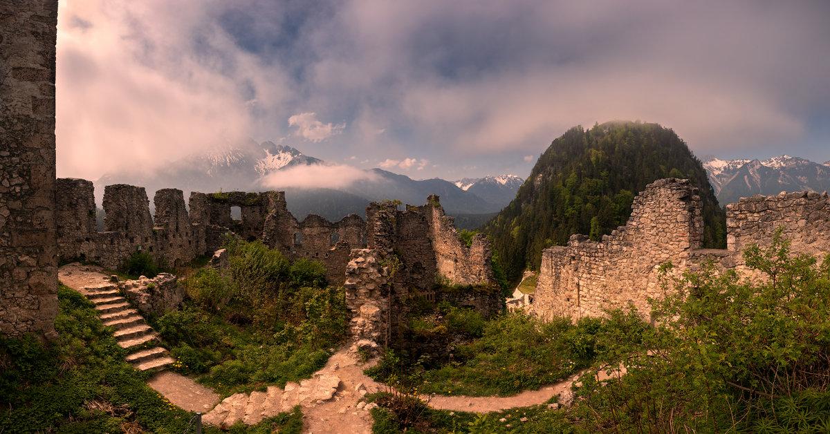 Старая крепость. - Юрий