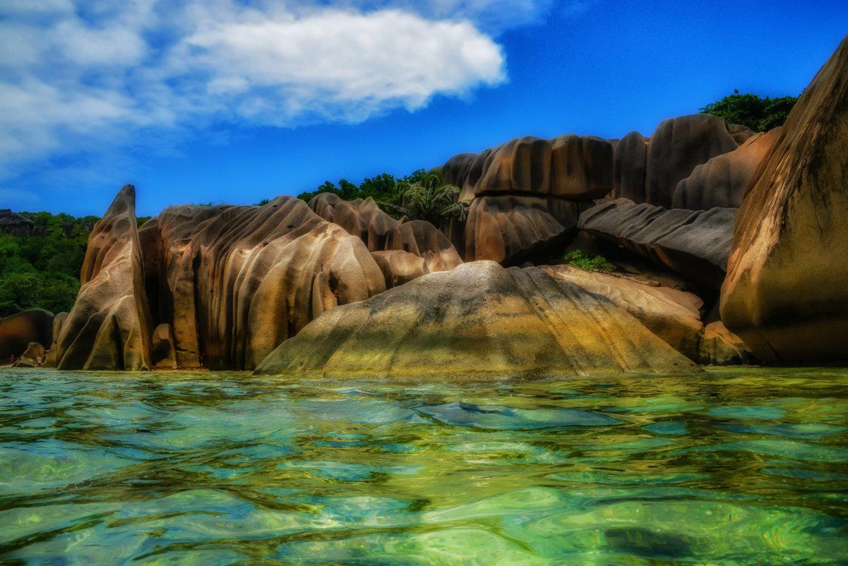 известные камни бухты Патат на Сейшелах - Георгий А