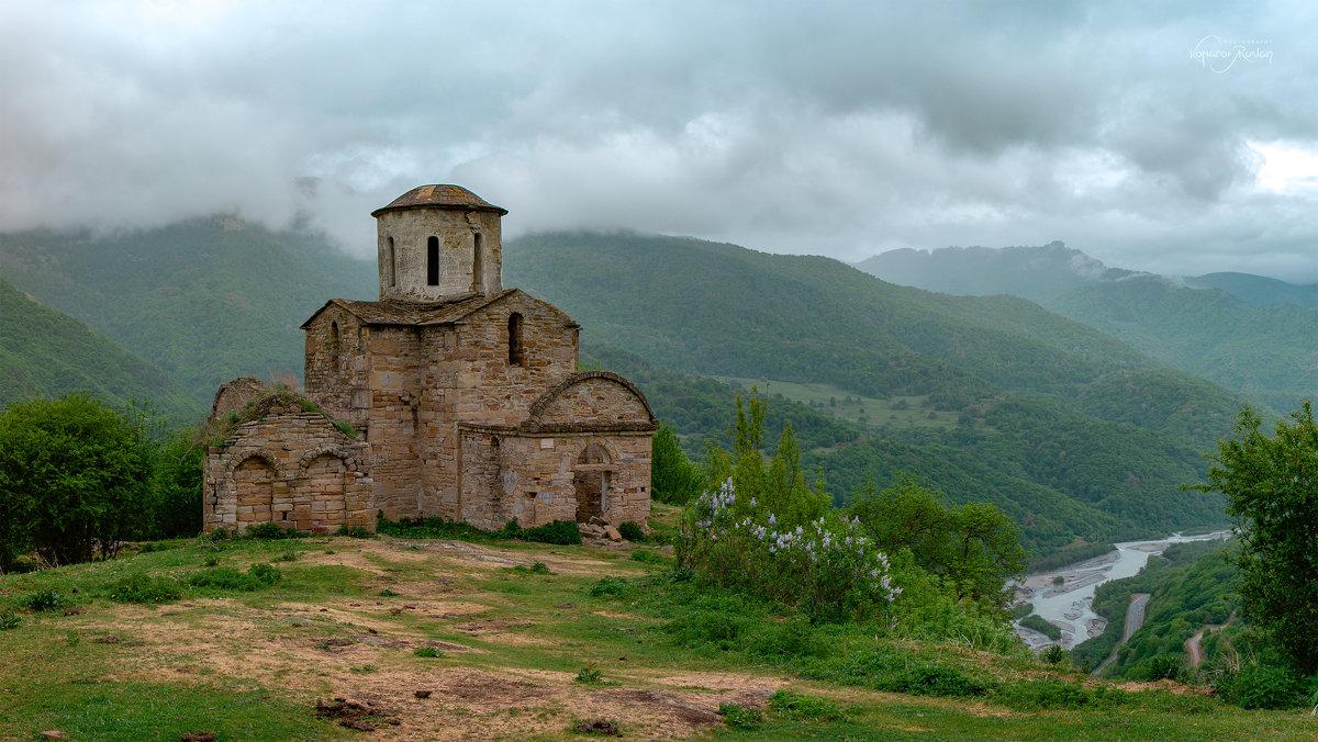 Сентинский храм, X век - Руслан Комаров