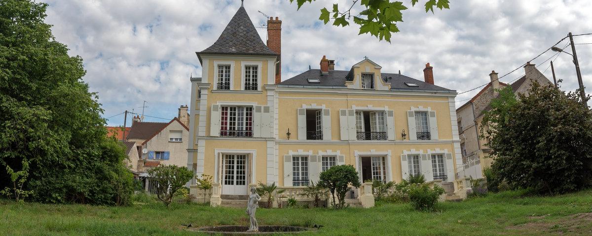 Chateau - Sacha Bouron