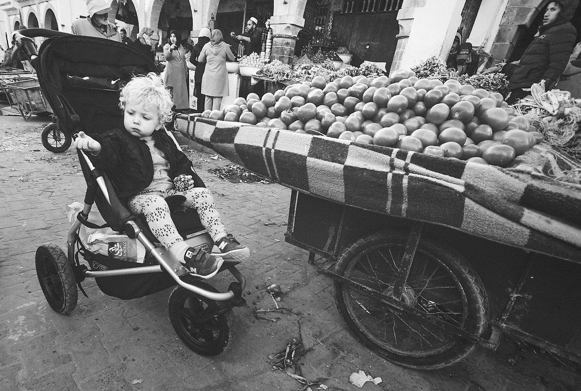 """Зрелый"" покупатель на марокканском базаре... - Александр Вивчарик"
