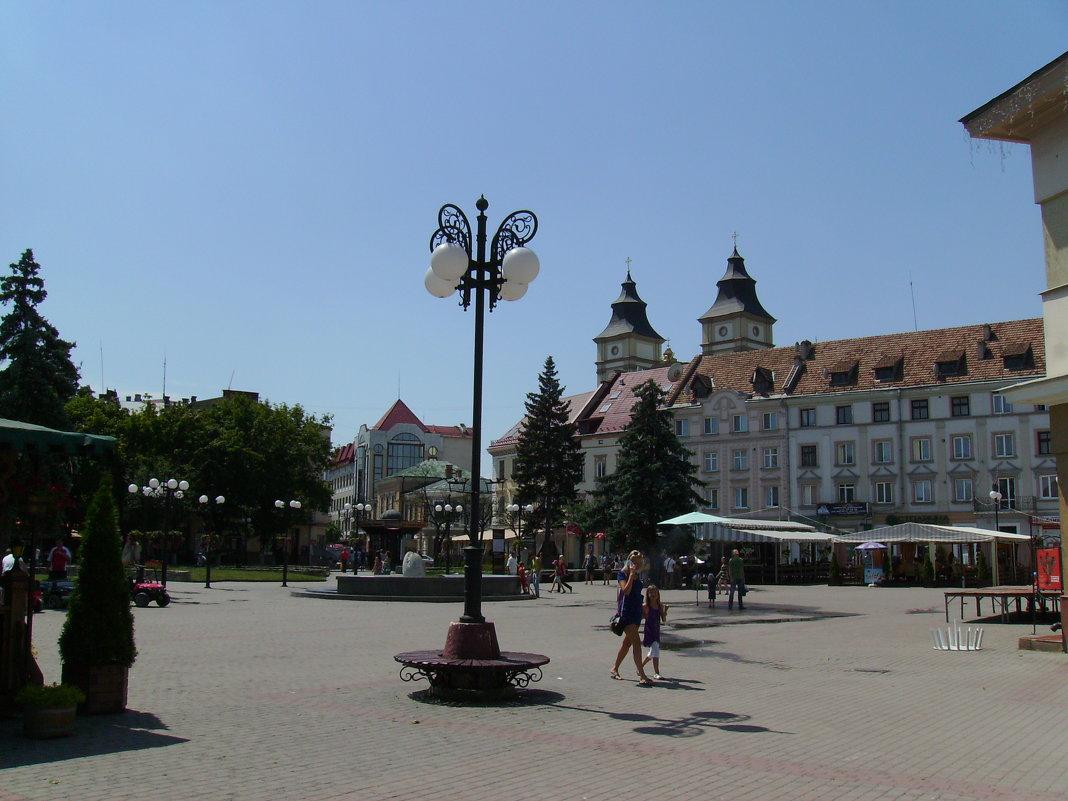 Площадь   Рынок   в   Ивано - Франковске - Андрей  Васильевич Коляскин