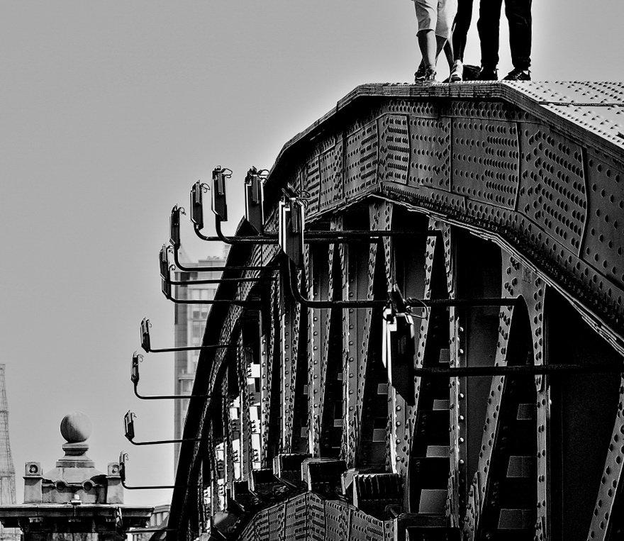 Люди на мосту - олег свирский
