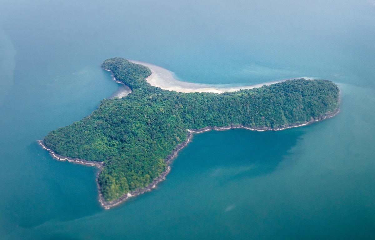 Необитаемый остров. - Edward J.Berelet