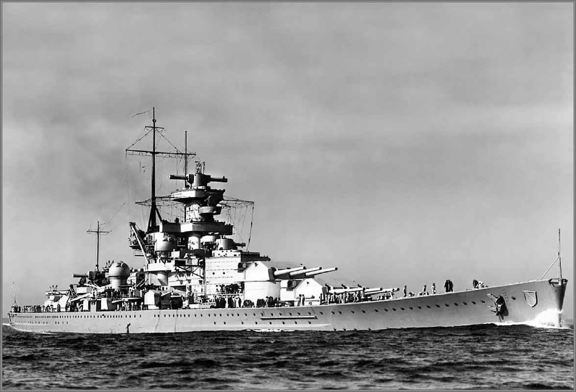 "German battlecruiser ""Scharnhorst"" returning to Kiel, April 1939. - Александр"
