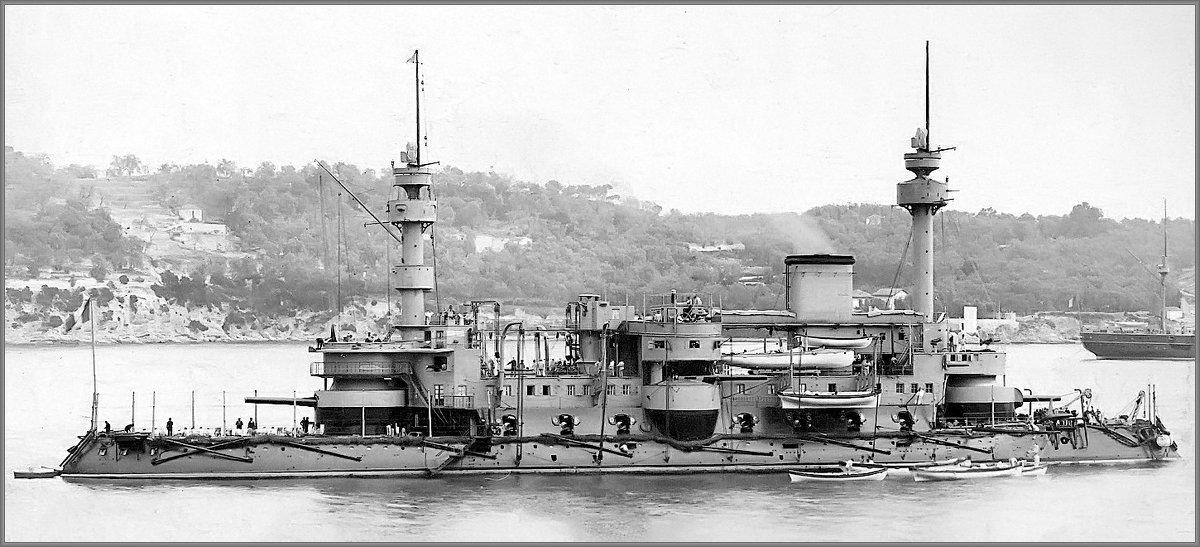 "French (ironclad) battleship ""Hoche"" before her 1895 refit. - Александр"