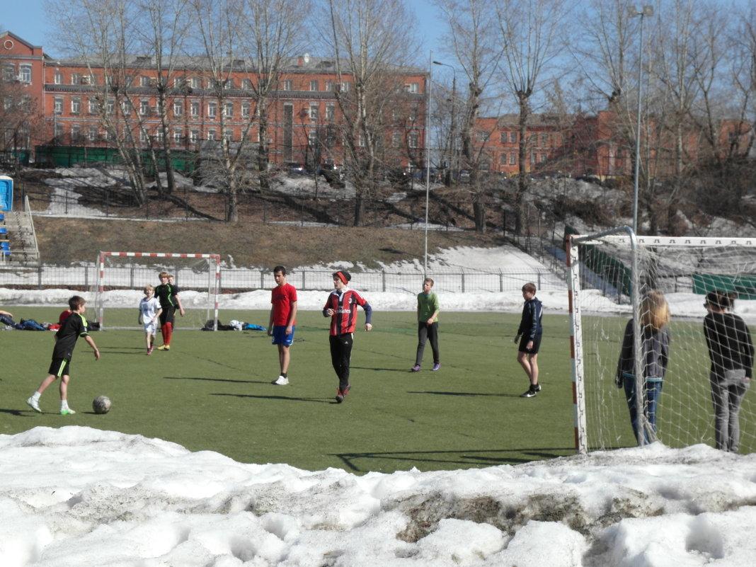 любители футбола - Владимир