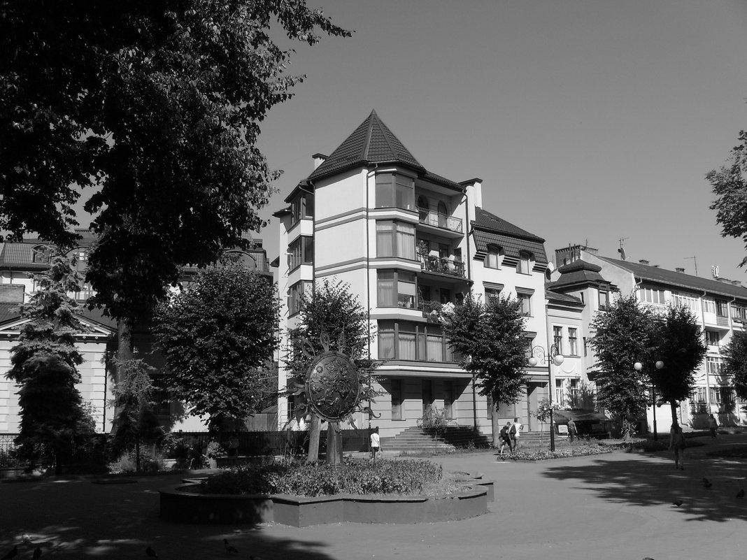 Жилой   дом   в   Ивано - Франковске - Андрей  Васильевич Коляскин
