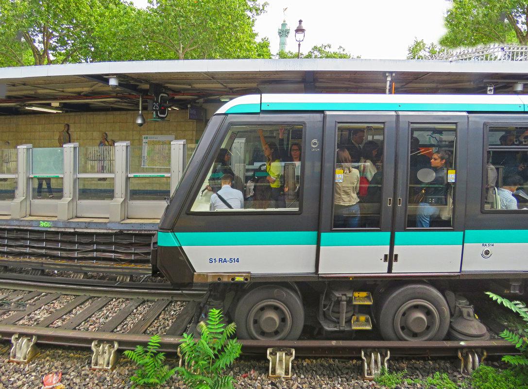 Поезд метро без машиниста. Париж. - ИРЭН@ .