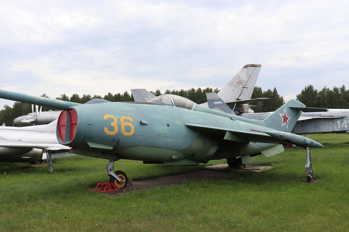 Як-36 самолет вертикального взлета и посадки 1964г. - Andrew