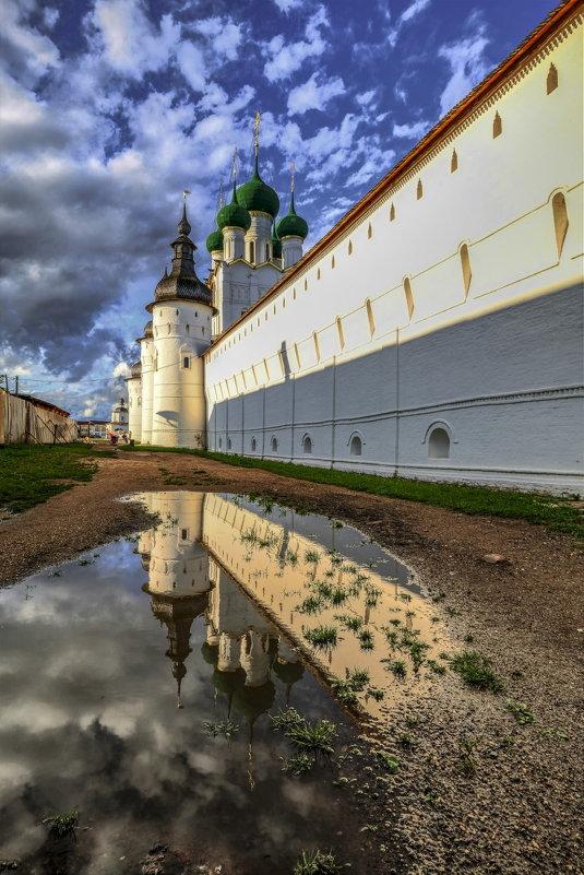 Ростовский Кремль после дождя и перед закатом - Георгий А