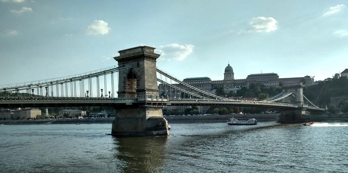 Цепно́й мост (Се́ченьи) — подвесной мост через реку Дунай, Будапешт Венгрия - Tamara *