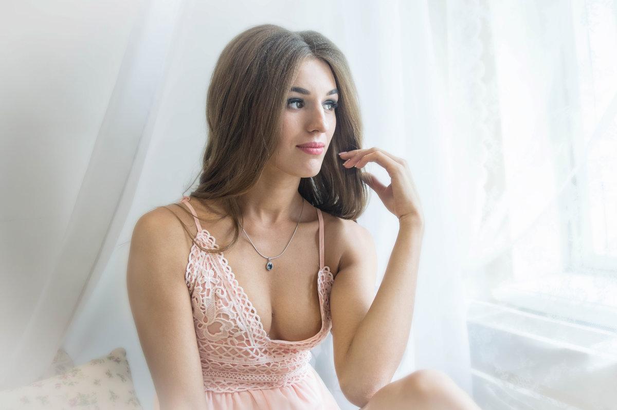 у окна - Елена Матюшинская