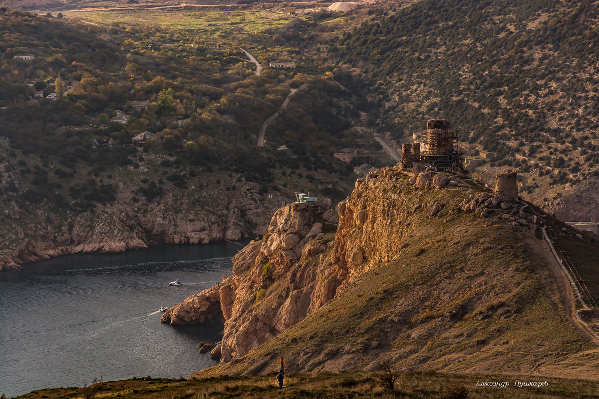 Чембало — загадочная крепость генуэзцев в Балаклаве - Александр Пушкарёв