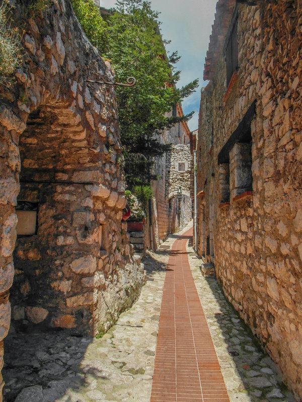 В старом городе - Николай Танаев