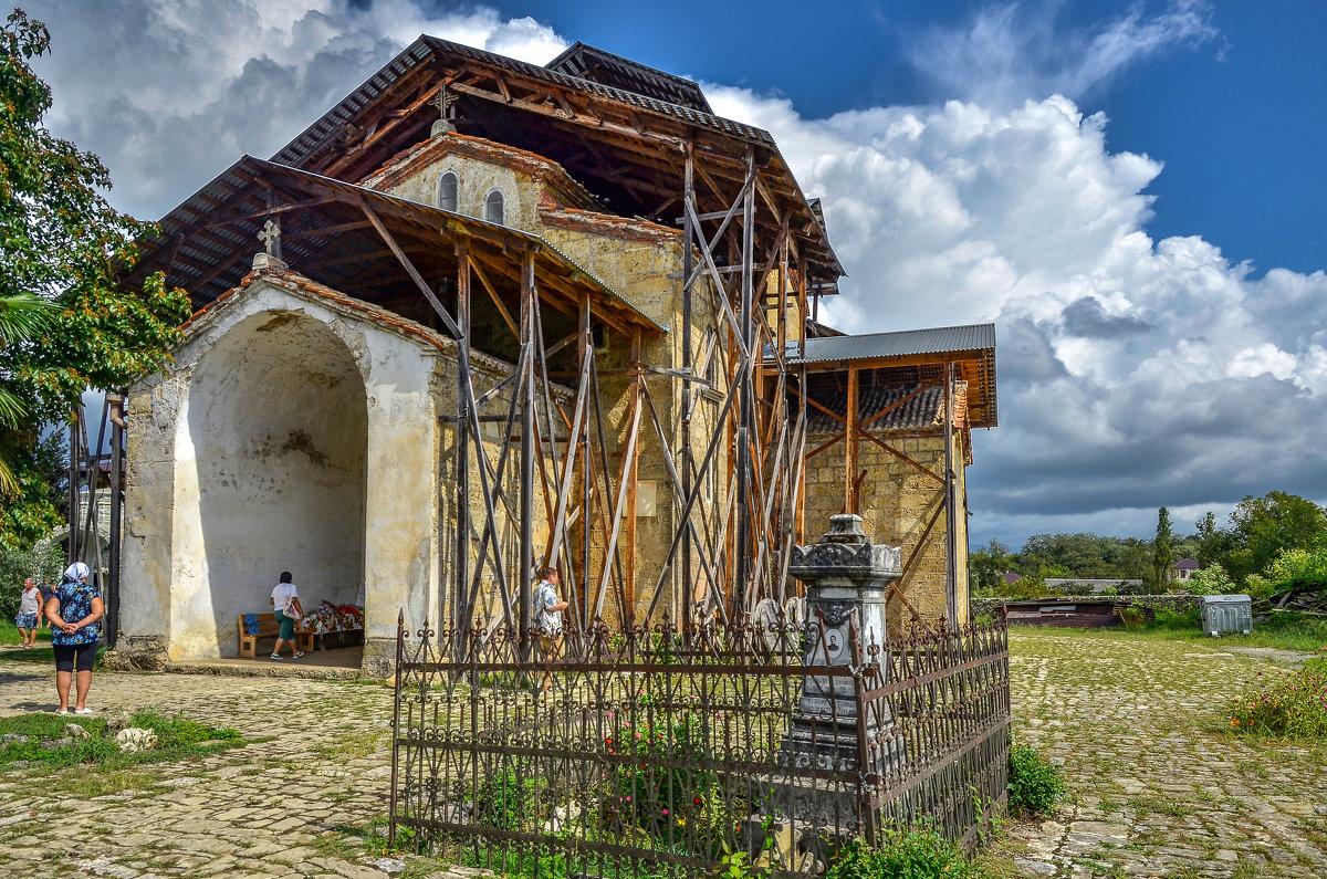 Лыхненский храм Успения Богородицы - Светлана Винокурова