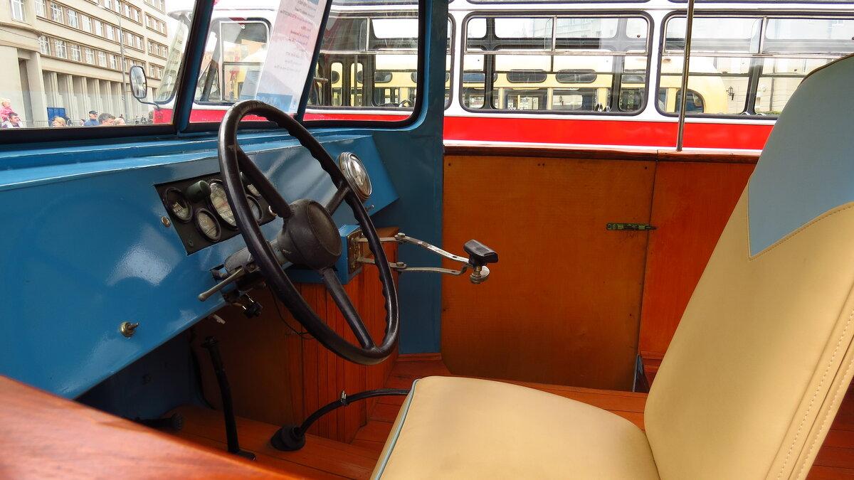 Кабина автобуса ЦАРМ  РИЦА 1955-1962 г. - Елен@Ёлочка К.Е.Т.