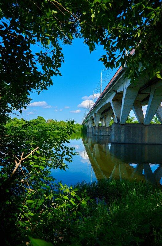Вид на мост с бока и низа. - Zefir58 Verx