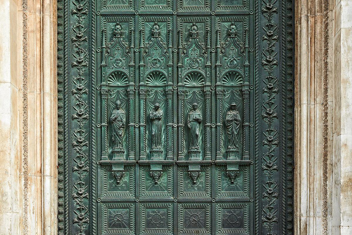 Барельеф на кованной двери в храм Св.Антония - Valeriy(Валерий) Сергиенко