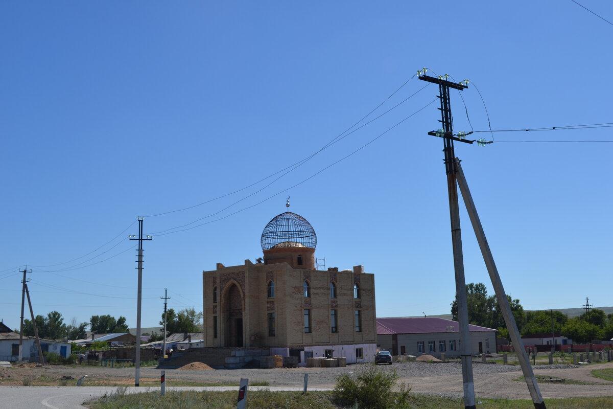 Строится новая мечеть в селе Курминка. Спасибо,планам ГОЭРЛО - Георгиевич