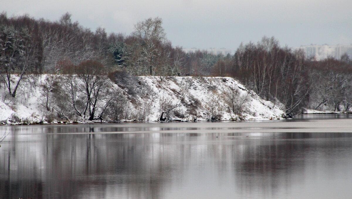 Берег Москва реки. - жанна нечаева