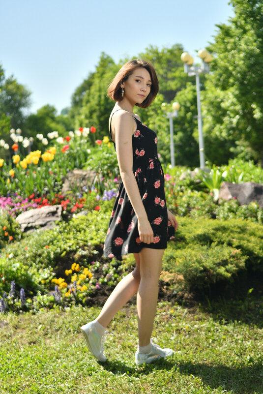 Эльвина в летнем парке - Айдар Мусин