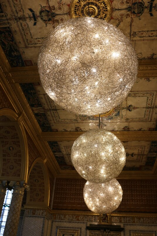 Светильники в музее Виктории и Альберта - Ольга