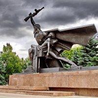 Памятник воину-освободителю в г. Костроме :: Валерий Тумбочкин