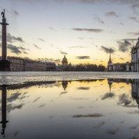Отблески заката на Дворцовой :: Valeriy Piterskiy
