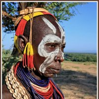 Женщина из племени Каро :: Евгений Печенин