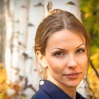 в осеннем лесу с любимой :: Антон Карпов